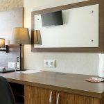 Гостиница Авион. Улучшенный двухместный номер. Рабочий стол